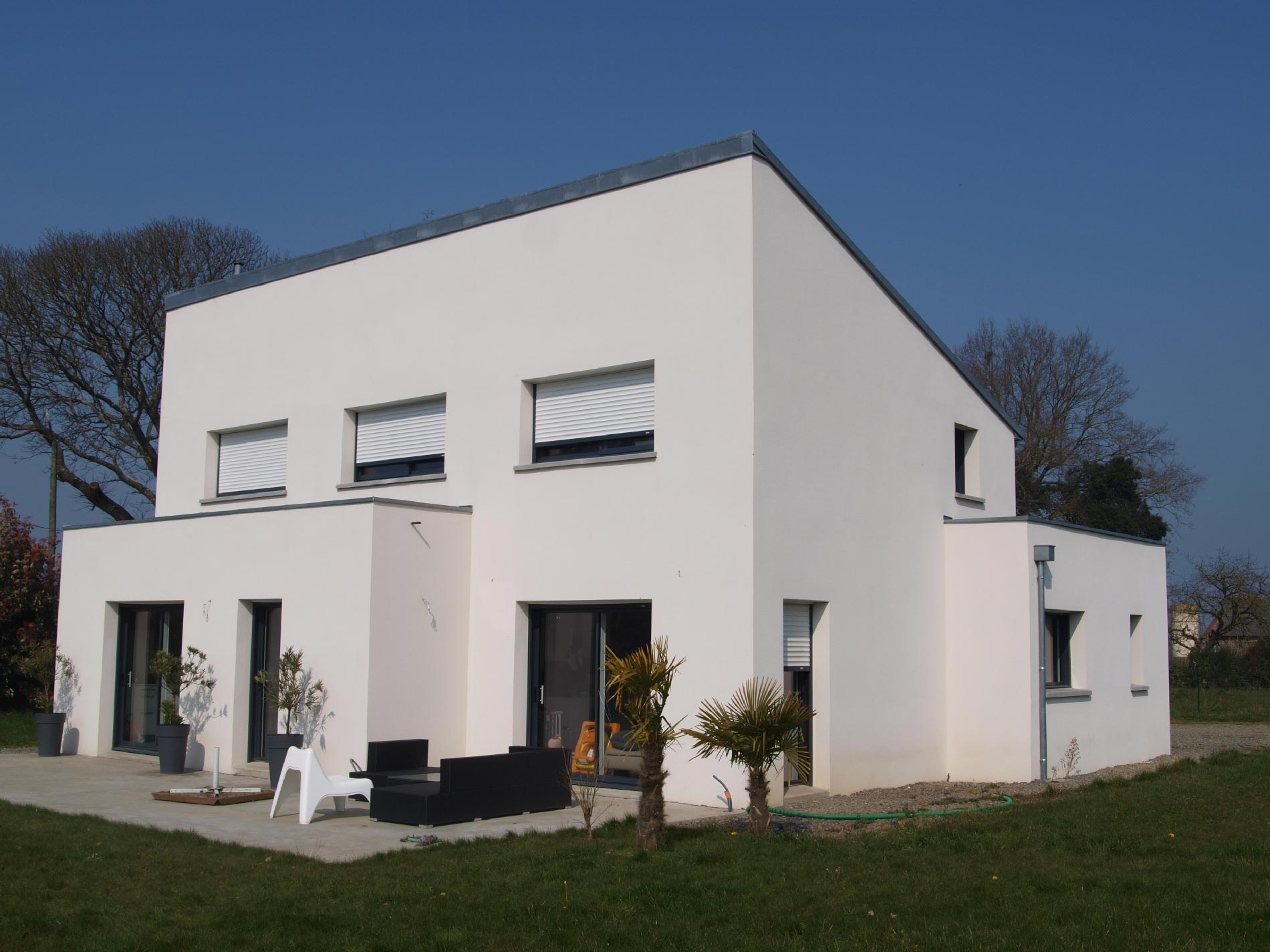 Saint symphorien maison contemporaine bruno jouanny for Architecte maison contemporaine